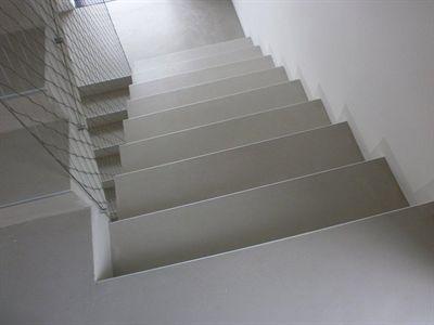 Barva na betonové schody